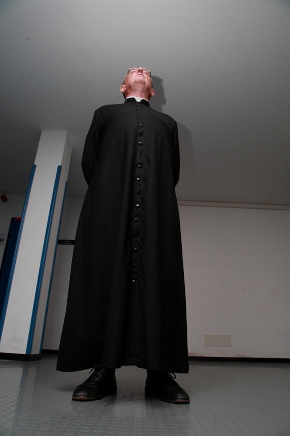 37 un alto prelato