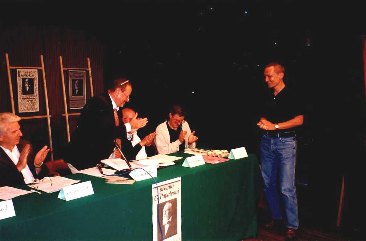 Enrico Gasperi Premiazione Papaleoni 1999
